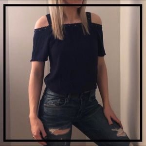 🔥5 for $35🔥 Adorable Navy Lace Cold Shoulder Top